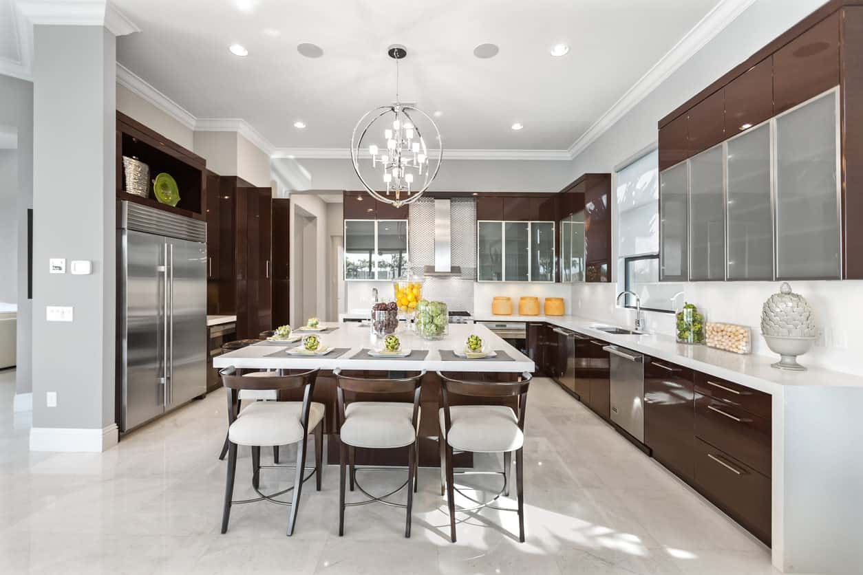 Classic Modern U-shaped White Kitchen with Large Kitchen Island ideas