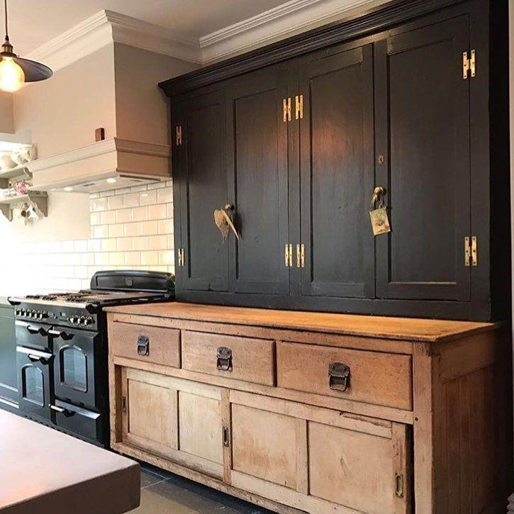 Elegant Black Kitchen Cabinets