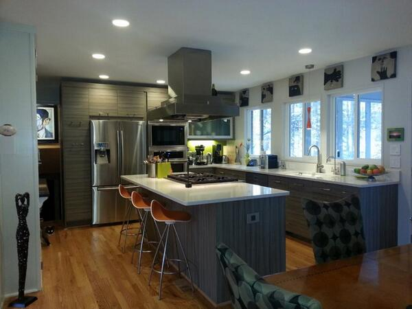 very light gray kitchen cabinets