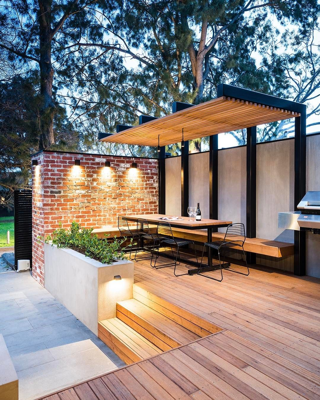 Image of: 27 Exceptional Deck Skirting Ideas For You To Inspire