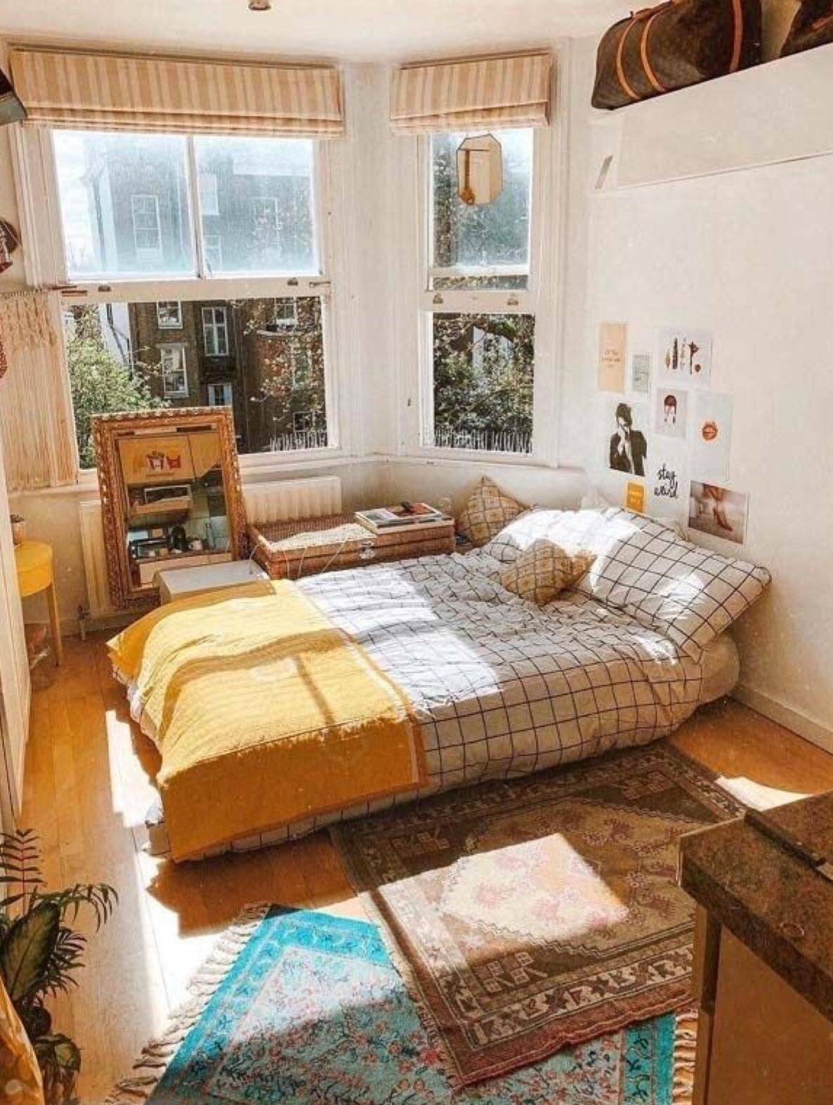 aesthetic vintage bedroom