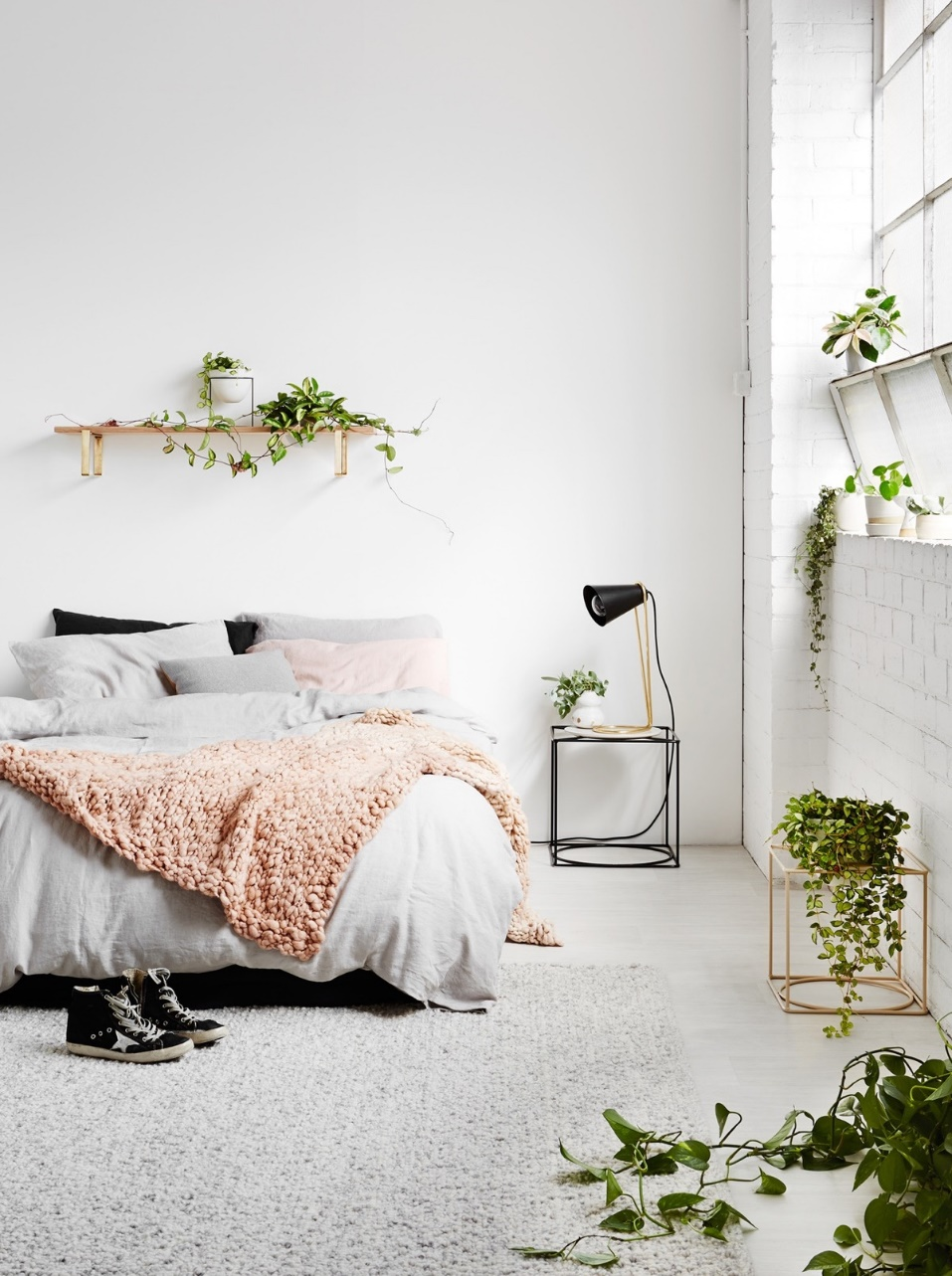 aesthetic white bedroom