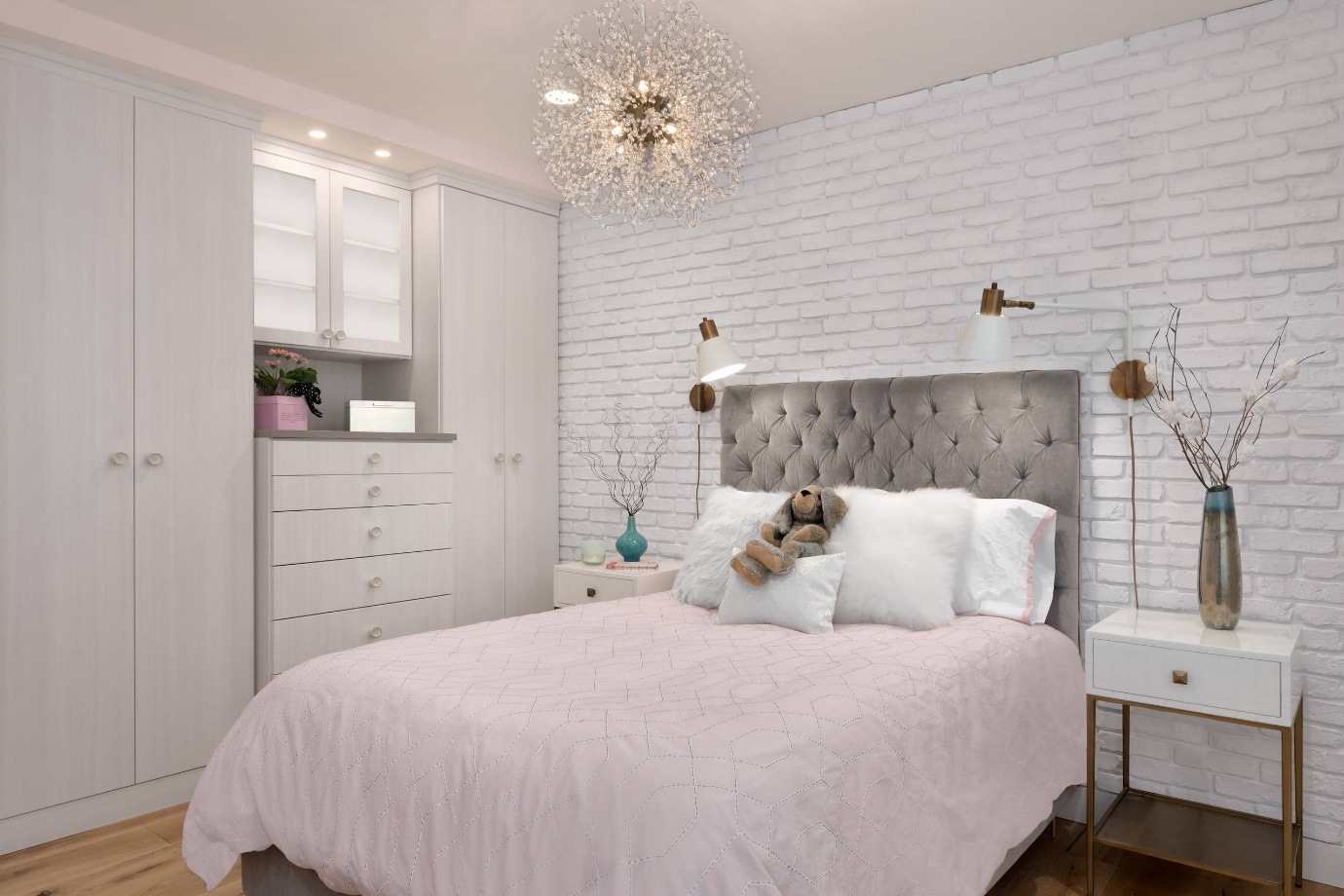 teenager room with more pink