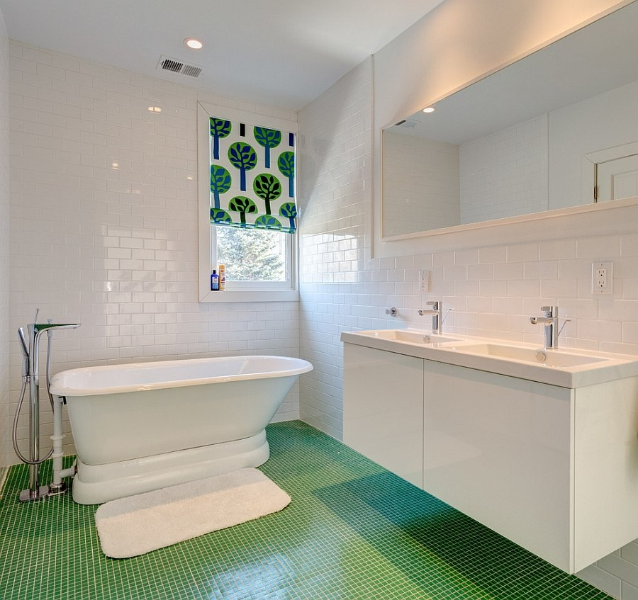 Elegant Bathroom in Refreshing Green