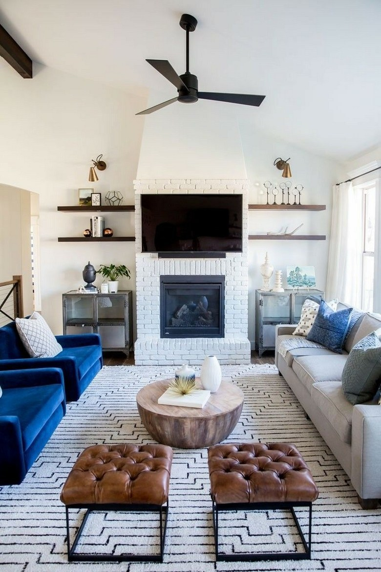 Black and white theme for living room