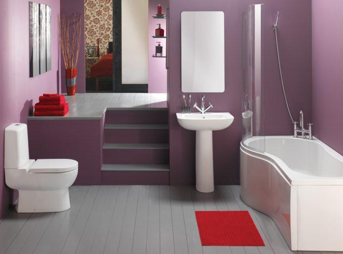 Bathroom with Floral Curtain